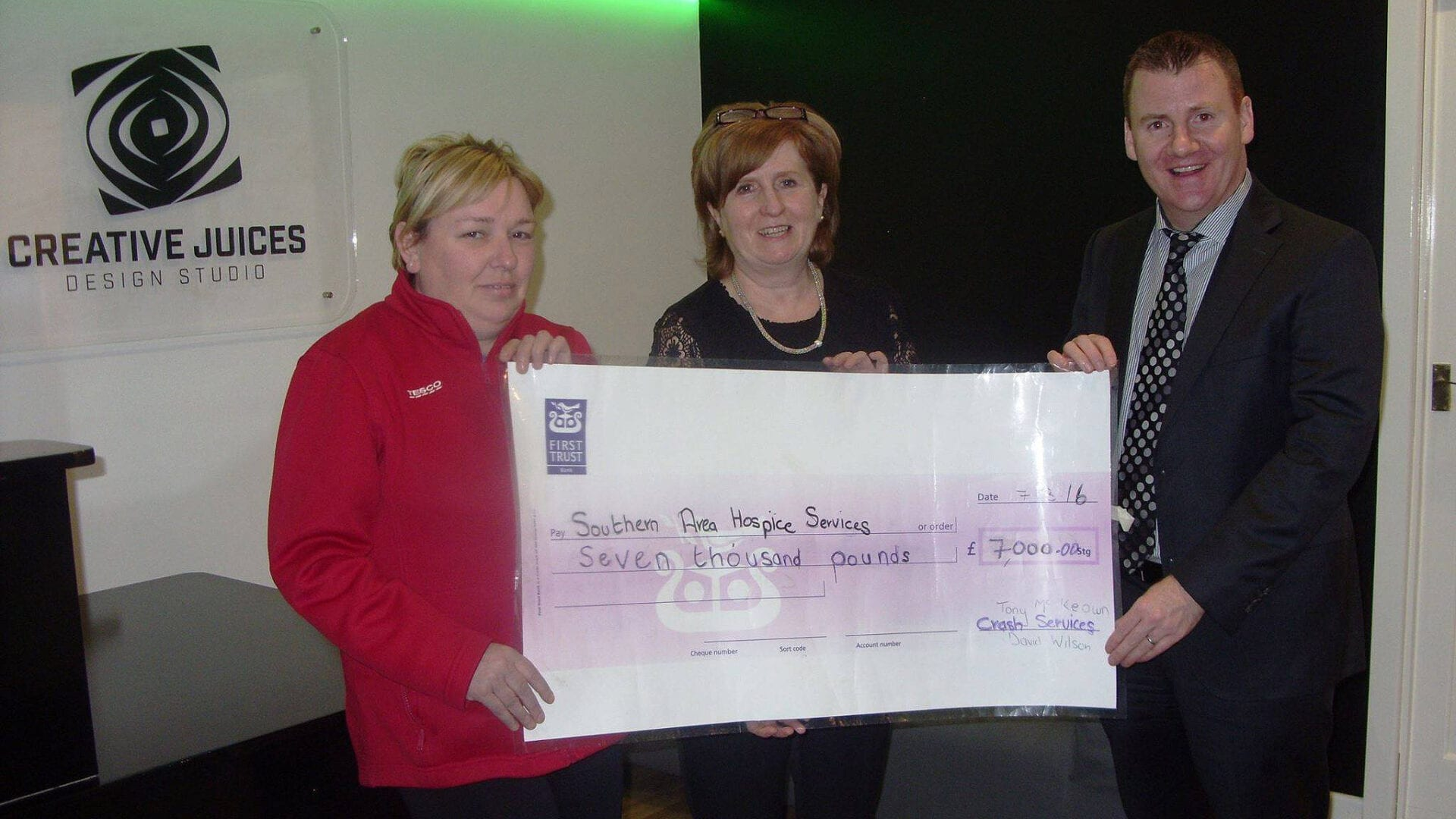 Lurgan Park Fun Run cheque dontation